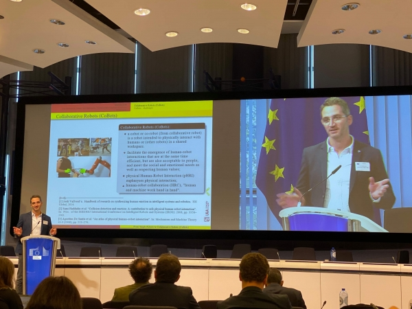 Filippo Sanfilippo presenting at the H2020 upcoming calls on Robotics and AI: Information and Brokerage day